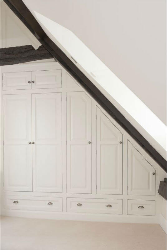 Bespoke Bedroom Furniture In Eaves Ceilings